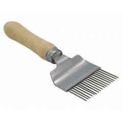 Uncapping fork with wooden handle BEE EQUIPMENT