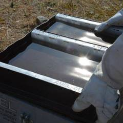 Top feeder anel with divided compartments Feeders