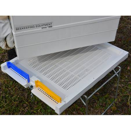 Fond de ruche en plastique aéré Eléments de ruches